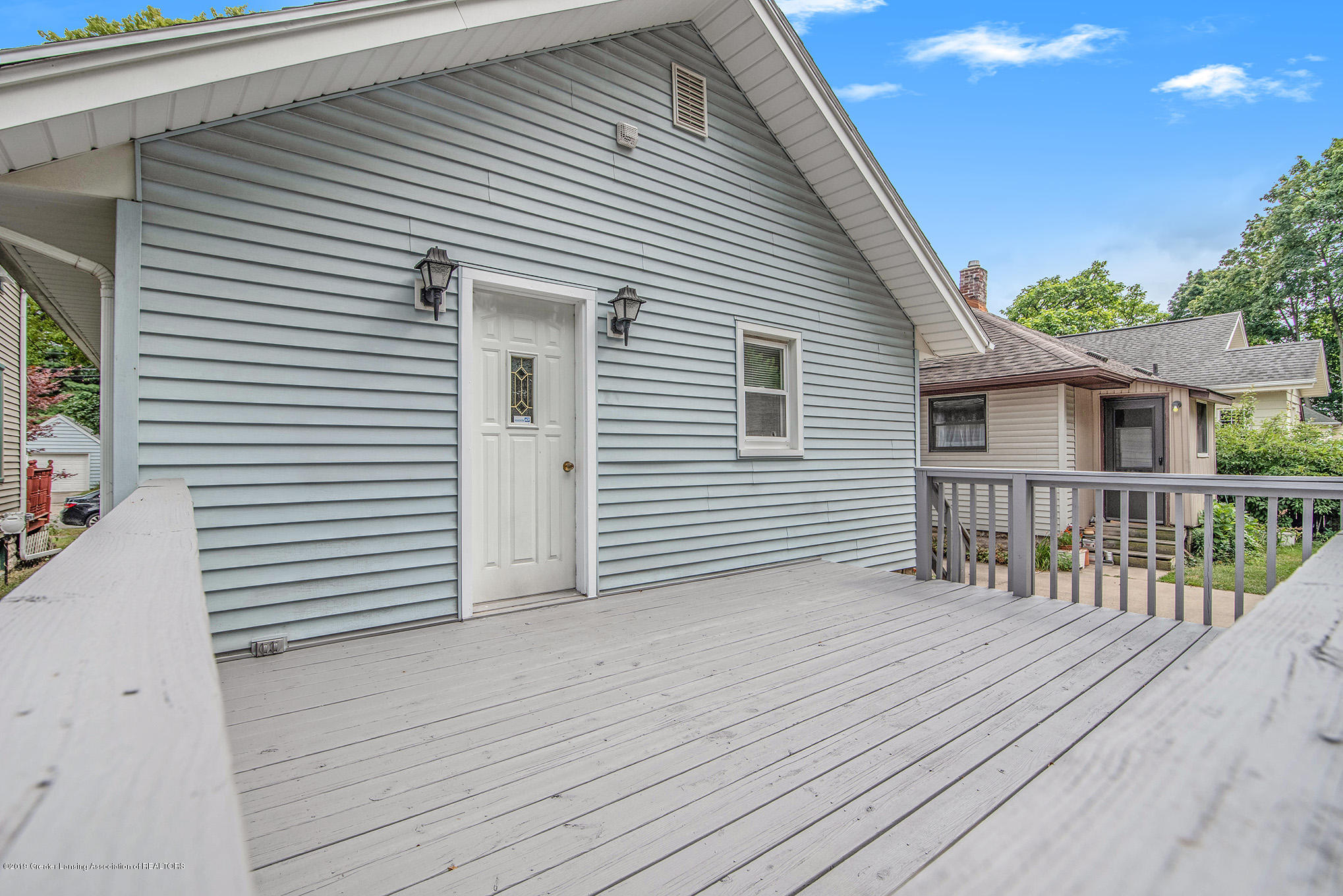 319 N Hayford Ave - 17 deck - 17