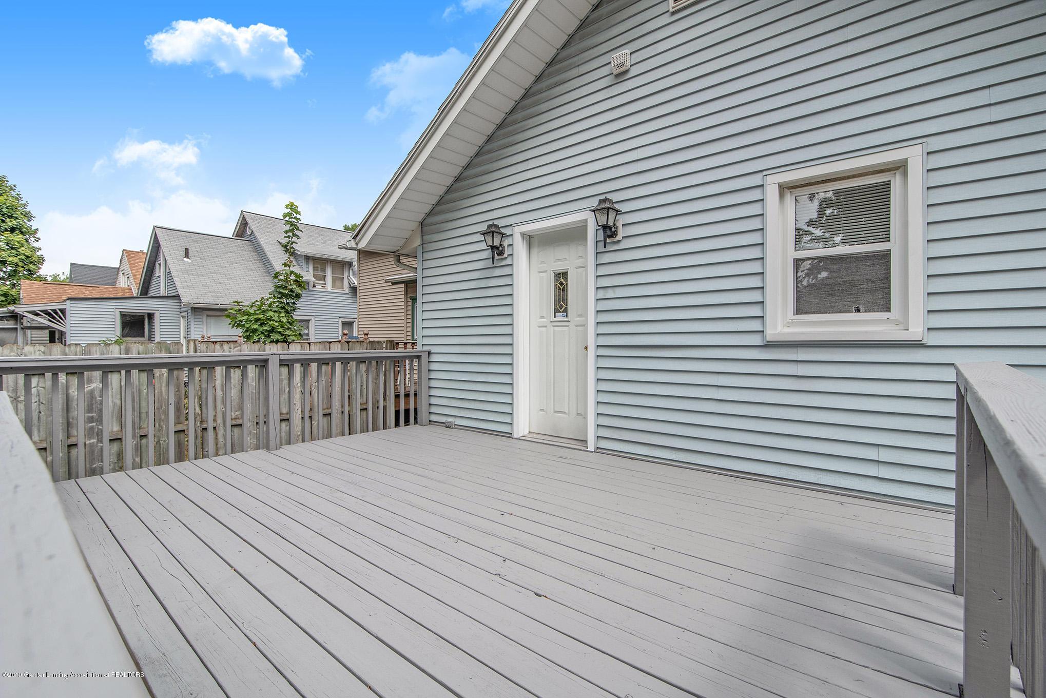 319 N Hayford Ave - 18 deck - 18
