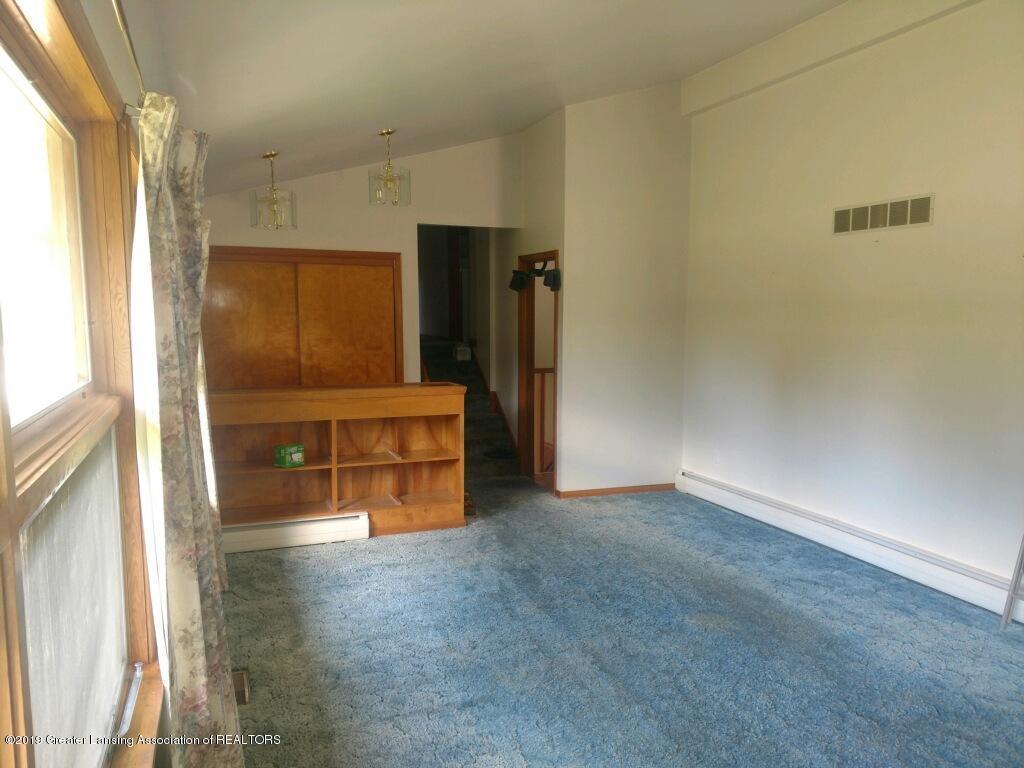 1235 Battle Creek Rd - Living Room - 5