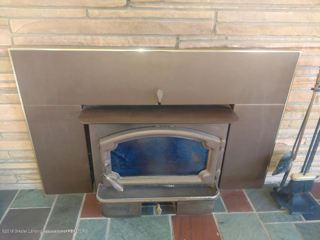 1235 Battle Creek Rd - Fireplace - 6