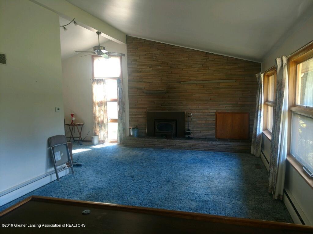 1235 Battle Creek Rd - Living Room - 4