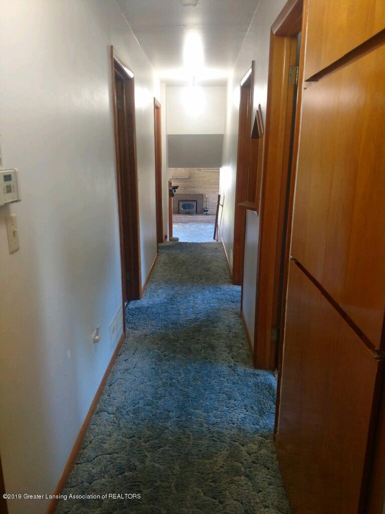 1235 Battle Creek Rd - Hallway - 37