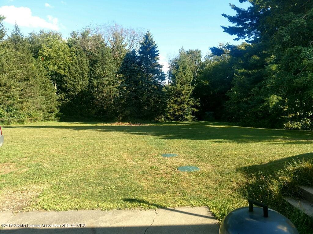 1235 Battle Creek Rd - Back Yard - 50