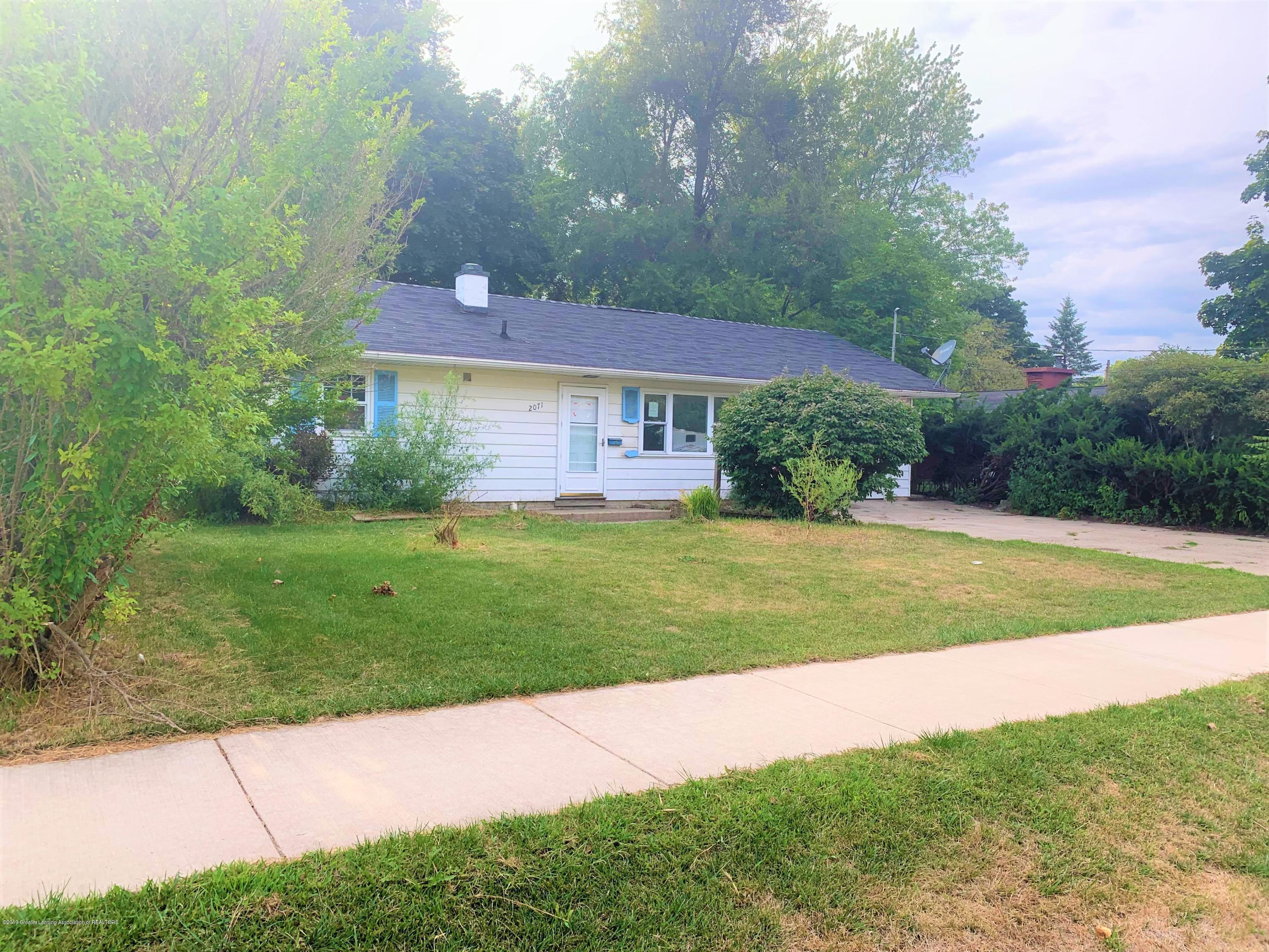2071 Adelpha Ave - Side - 2