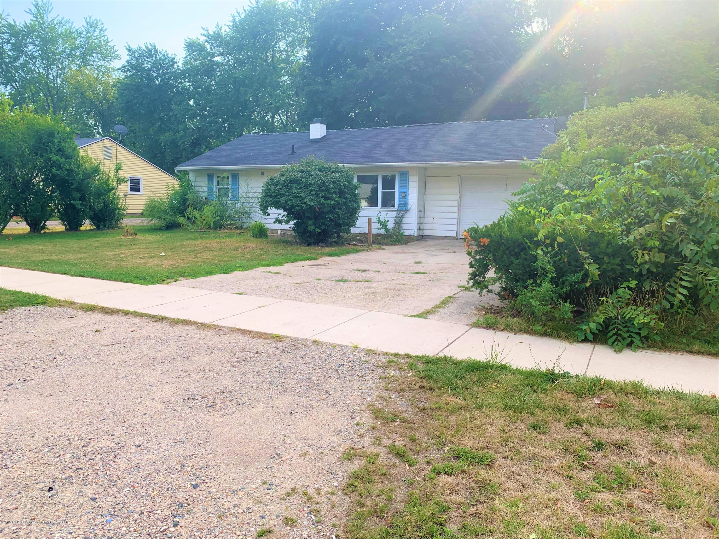 2071 Adelpha Ave - Side - 3