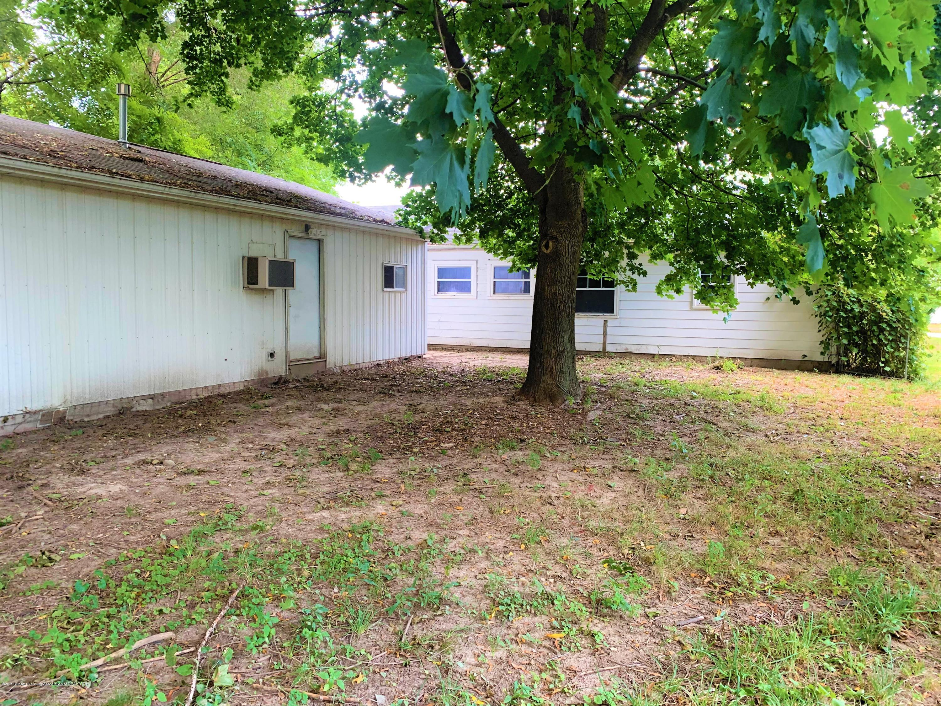 2071 Adelpha Ave - Back - 5