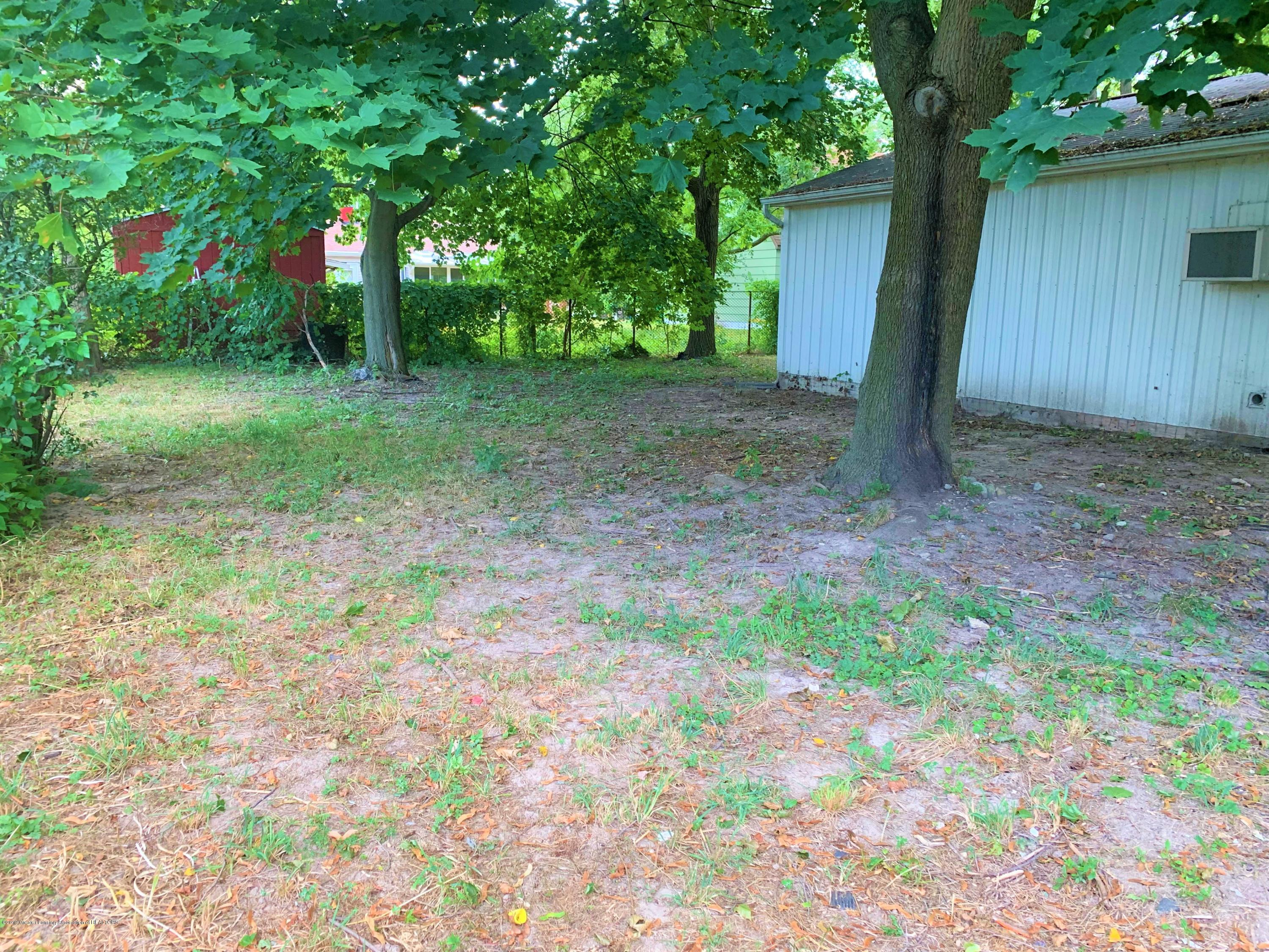 2071 Adelpha Ave - Backyard - 6