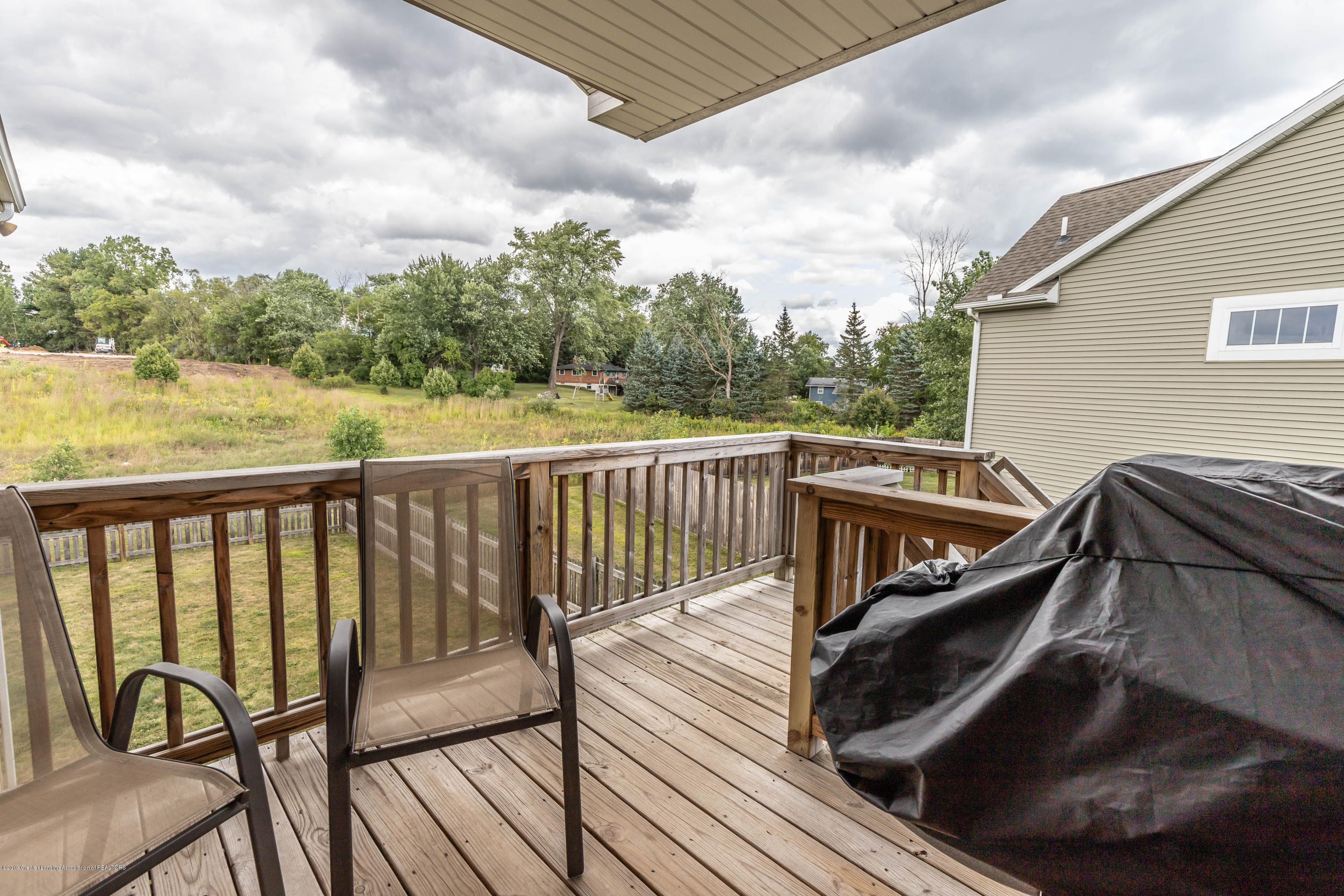 1075 Oakwood Dr - oakwoodback (1 of 1) - 30