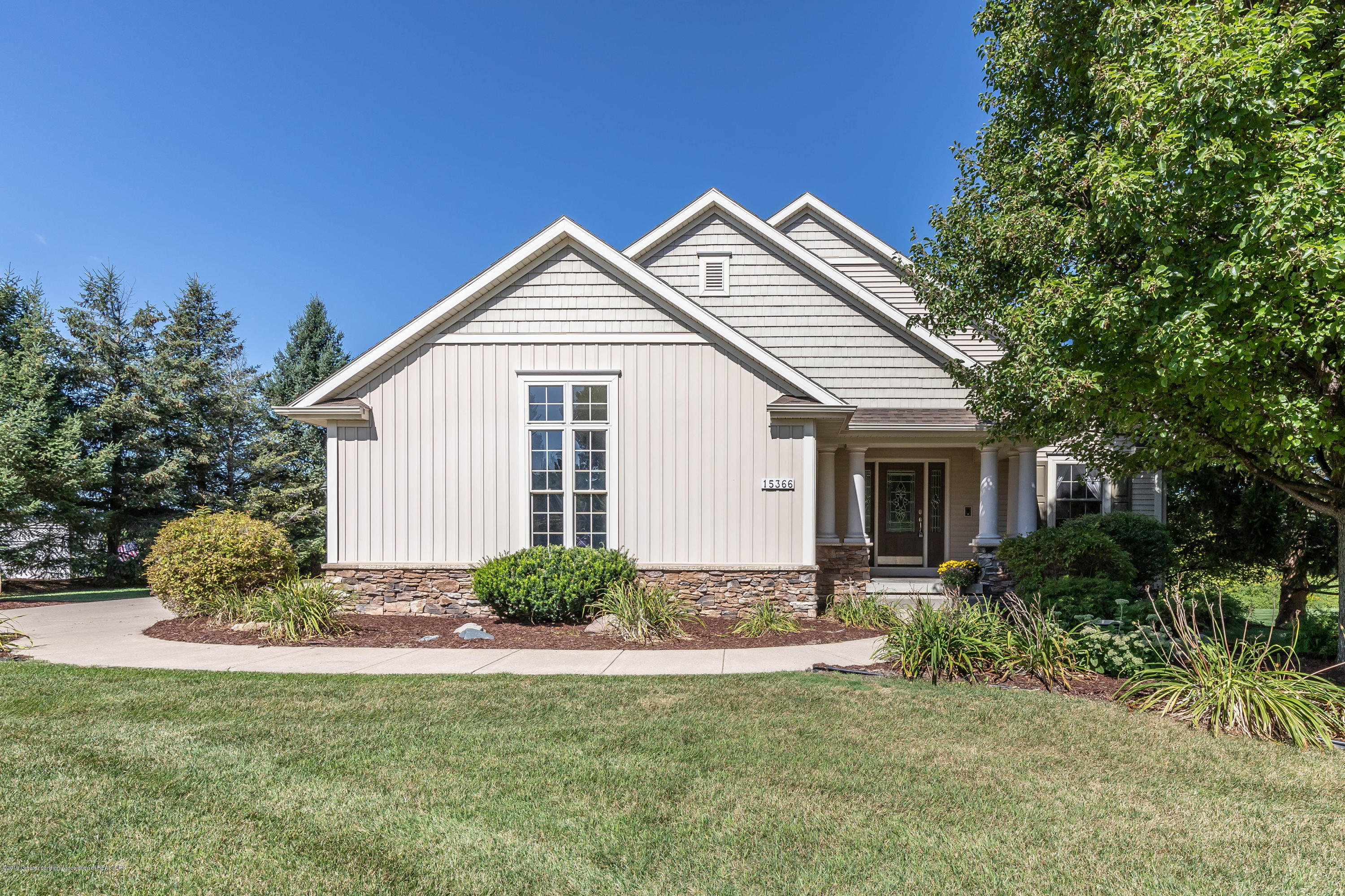 15366 Classic Dr - MLS front 1 - 2