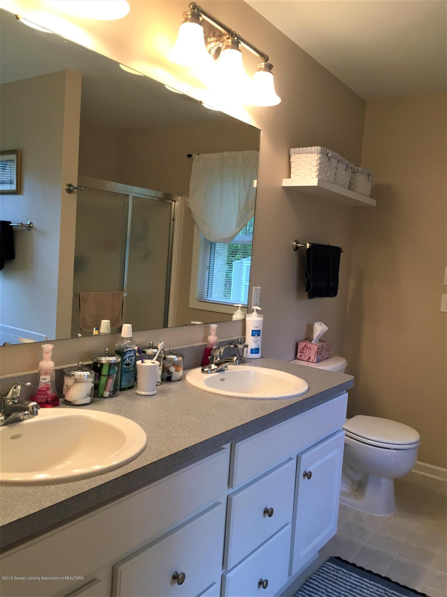 8617 Wheatdale Dr - Master Bathroom - 26