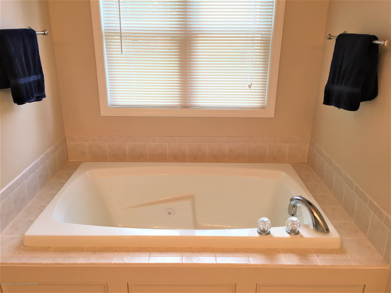 8617 Wheatdale Dr - Master Bathroom - 27