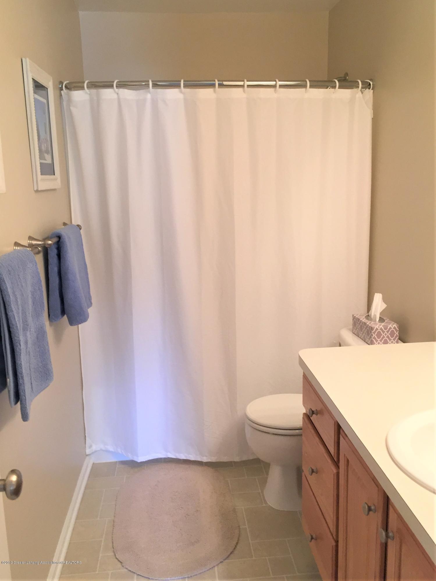 8617 Wheatdale Dr - Upstairs Bathroom - 38