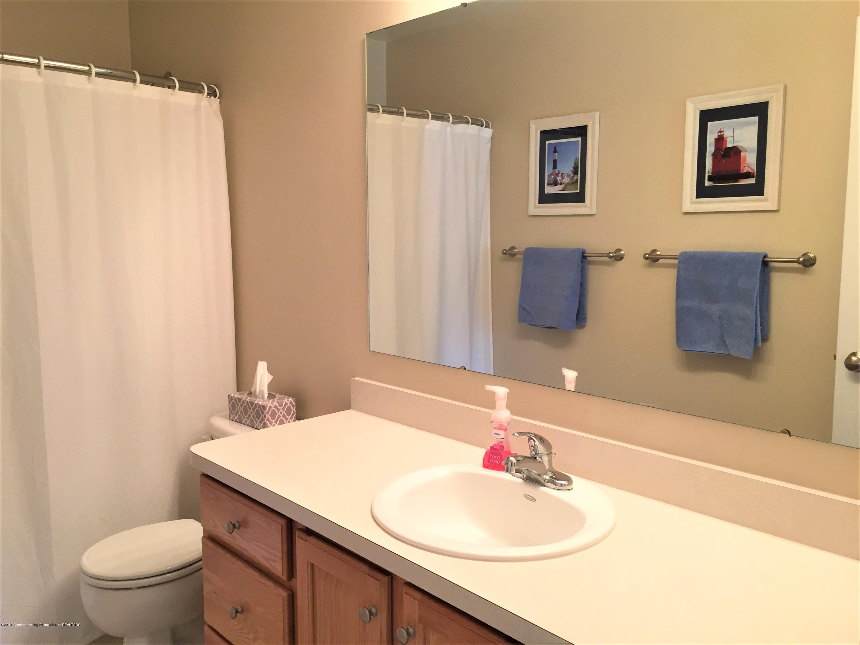 8617 Wheatdale Dr - Upstairs Bathroom - 39