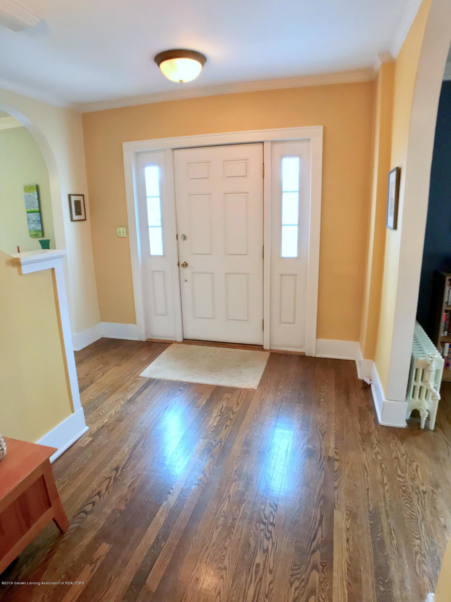 404 Clifton Blvd - Foyer - 4