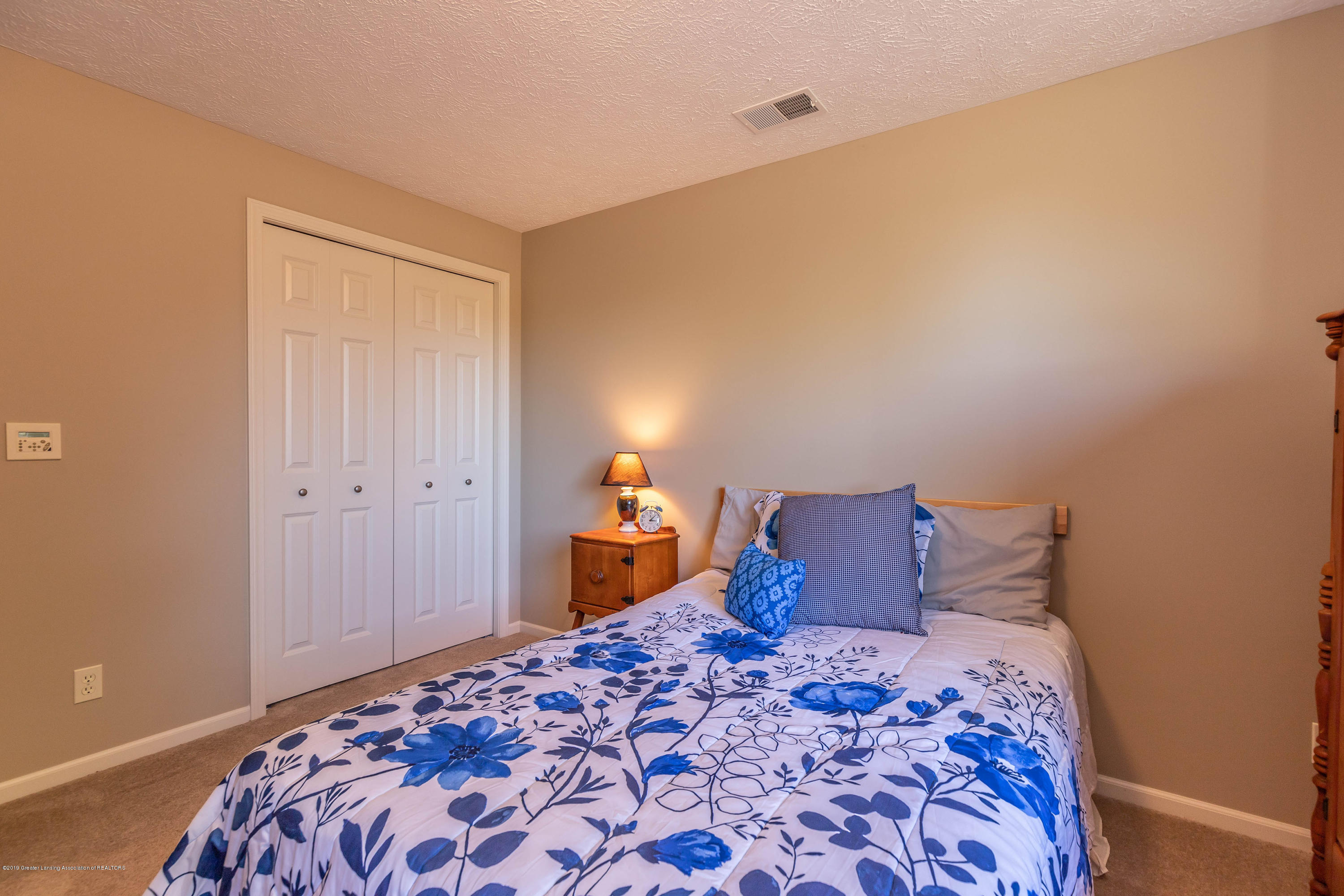 15366 Classic Dr - MLS bed 2-2 - 36