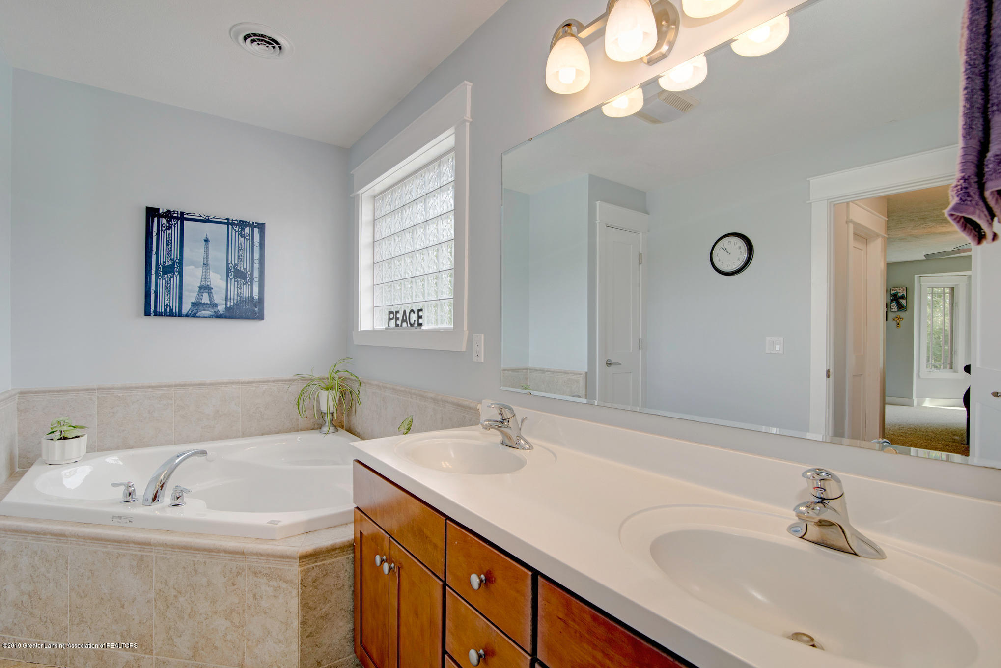 2217 Narrow Lake Rd - Master Bath - 20