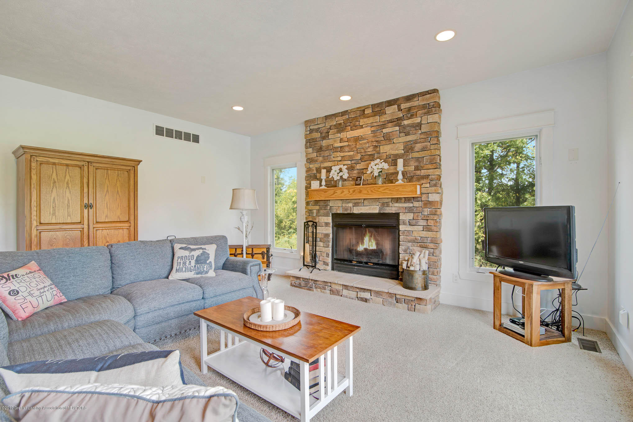 2217 Narrow Lake Rd - Living Room - 16