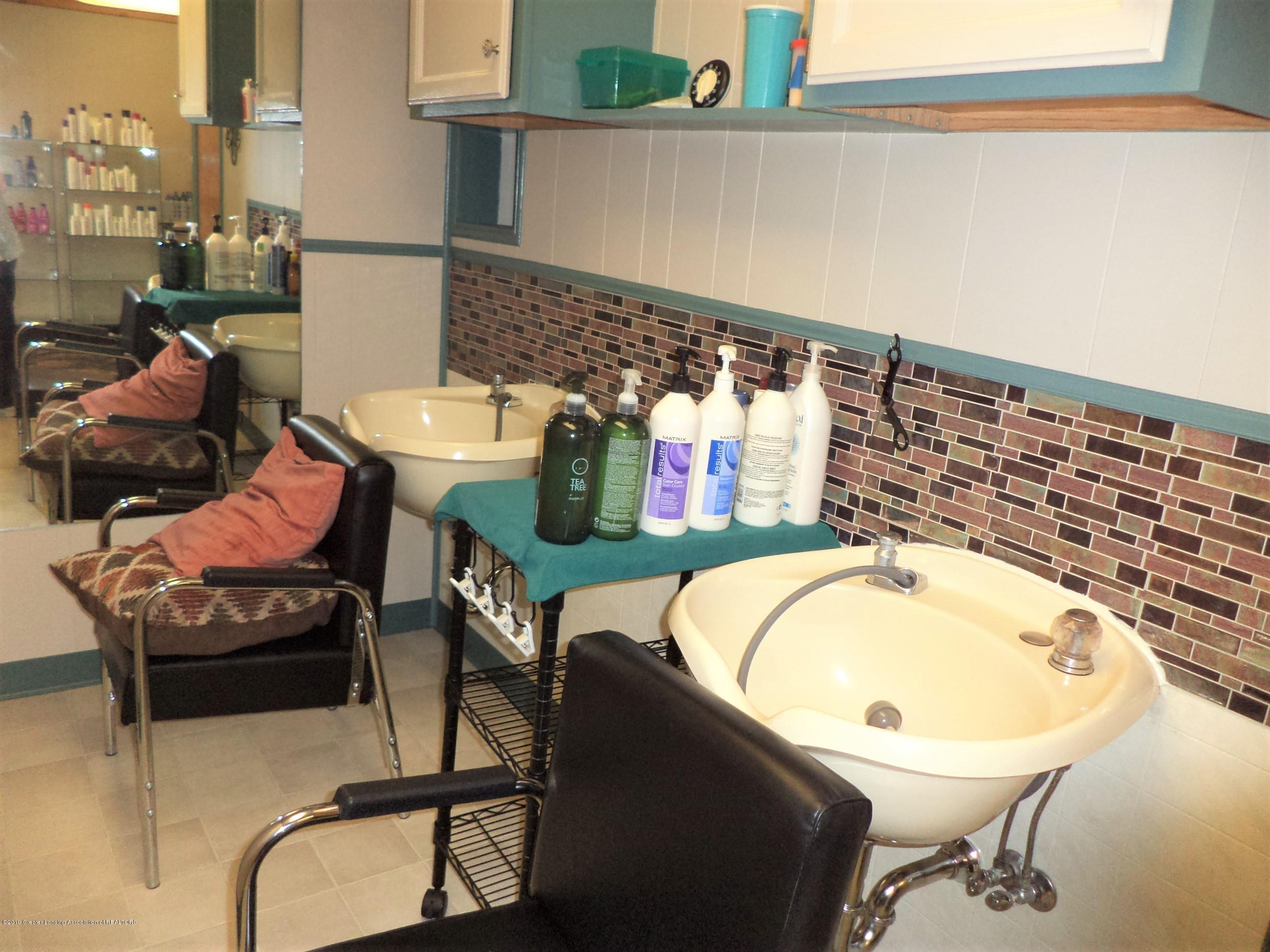 611 E State St - Salon sink area 2 - 15