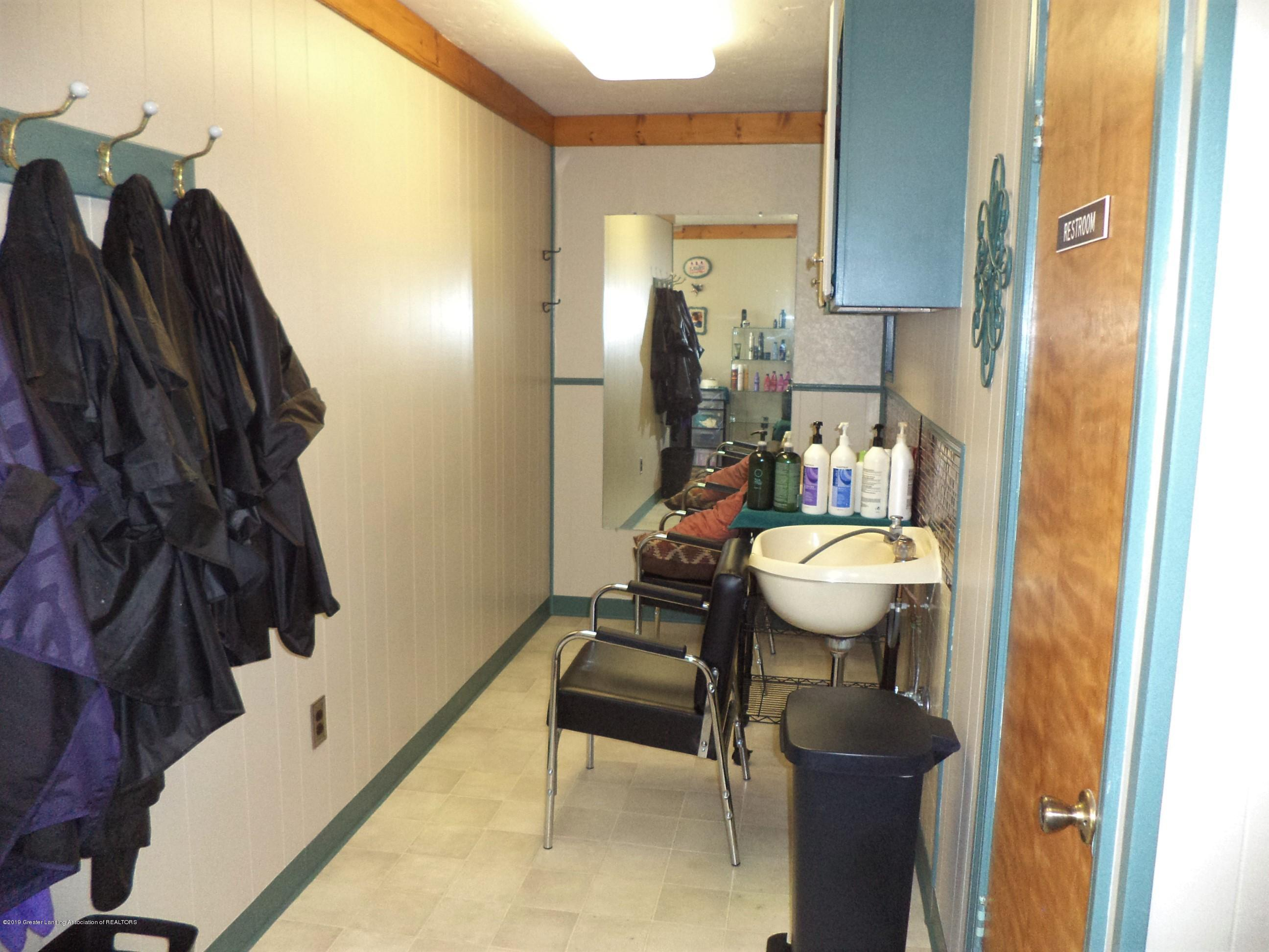 611 E State St - Salon sink area - 14