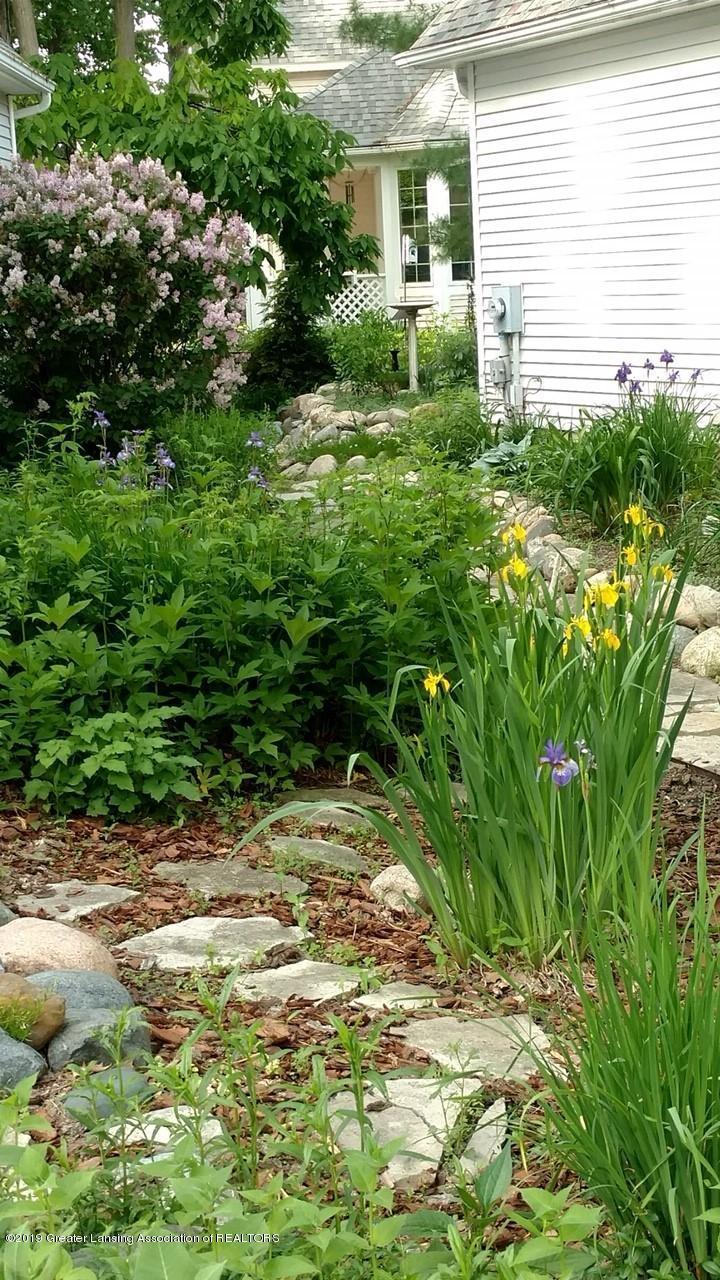 242 Abbott Woods Dr - Yard/Garden - 31