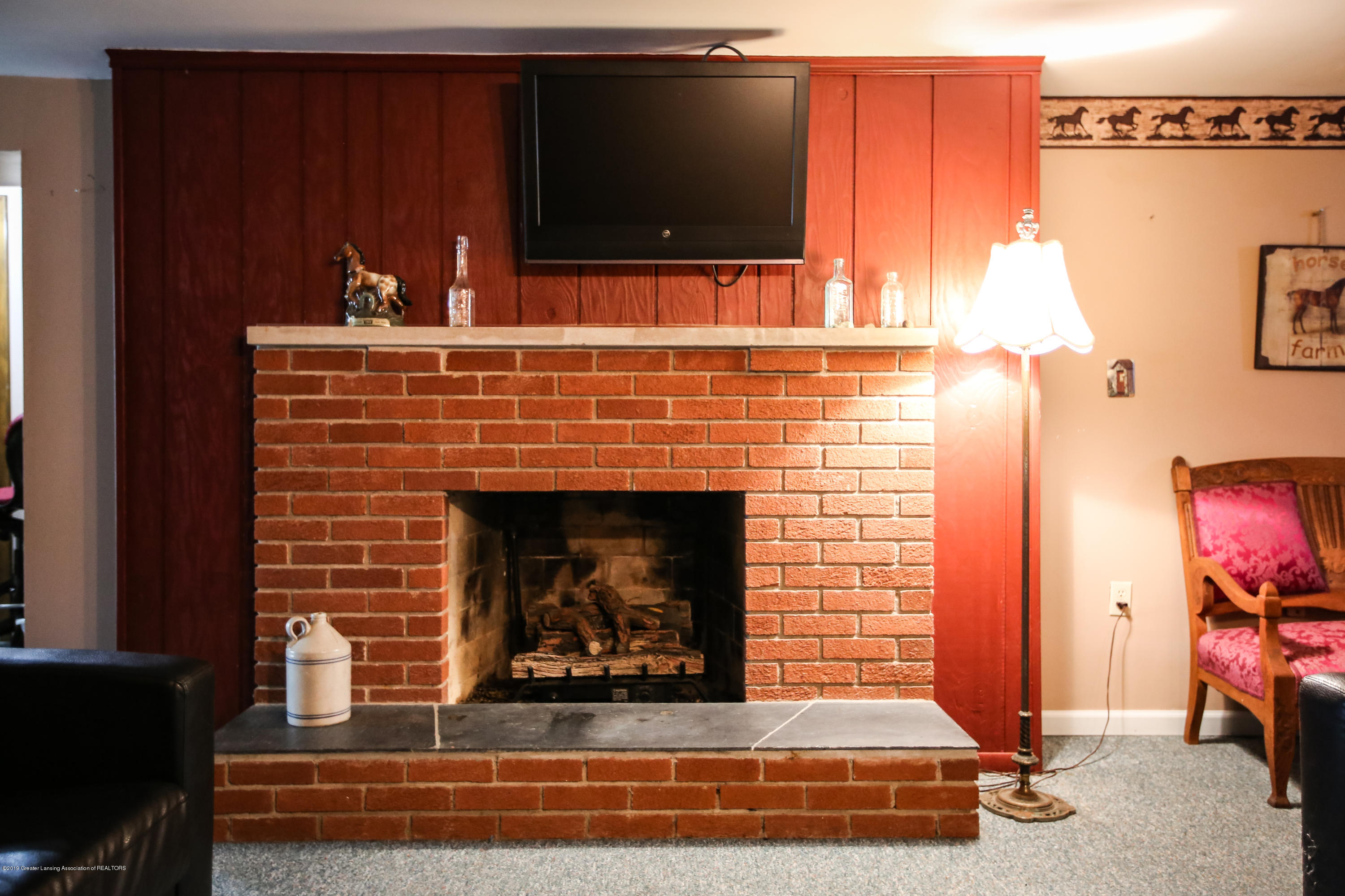 5953 W Cutler Rd - Basement Great Room Fireplace - 40