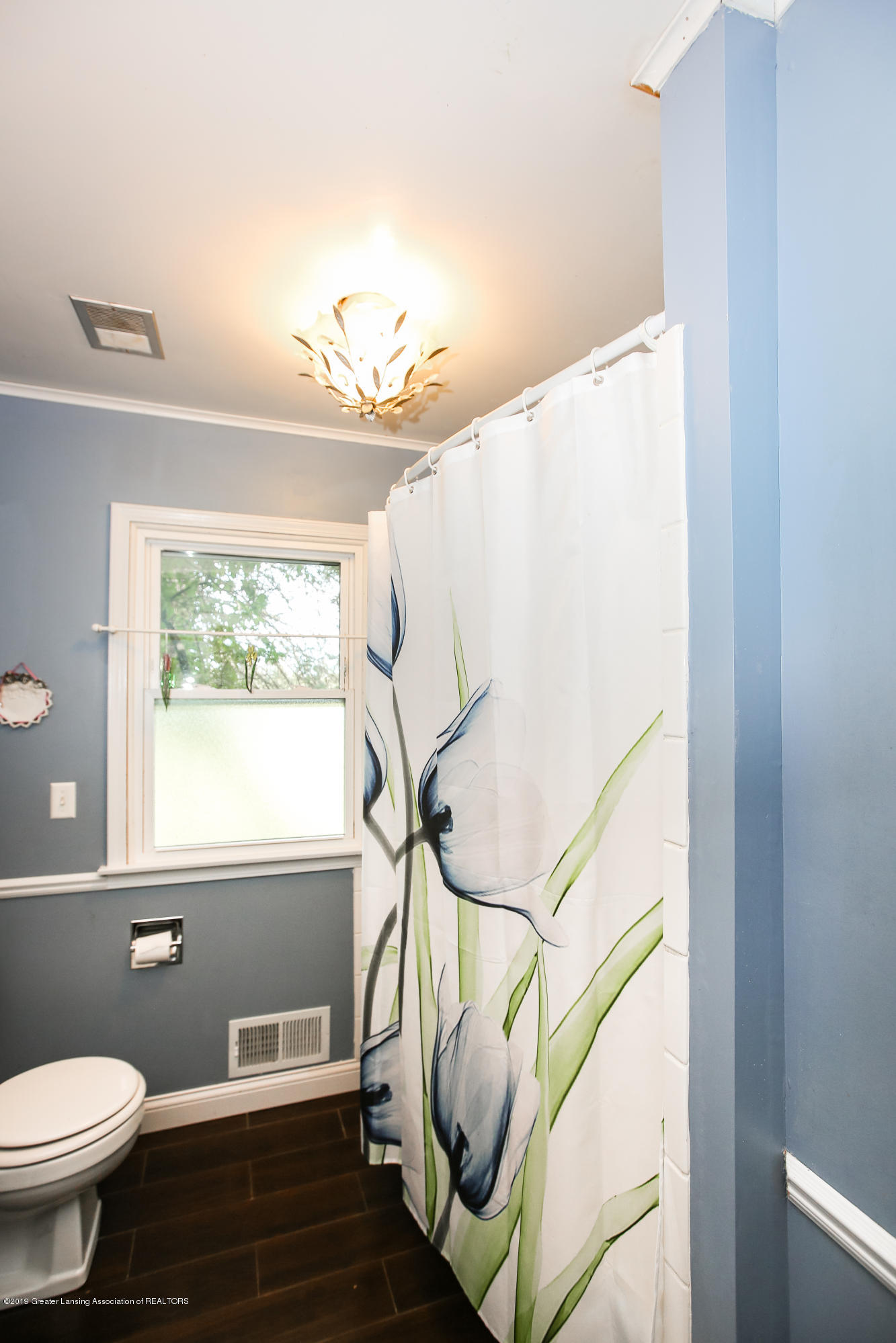 5953 W Cutler Rd - Full Bathroom - 33