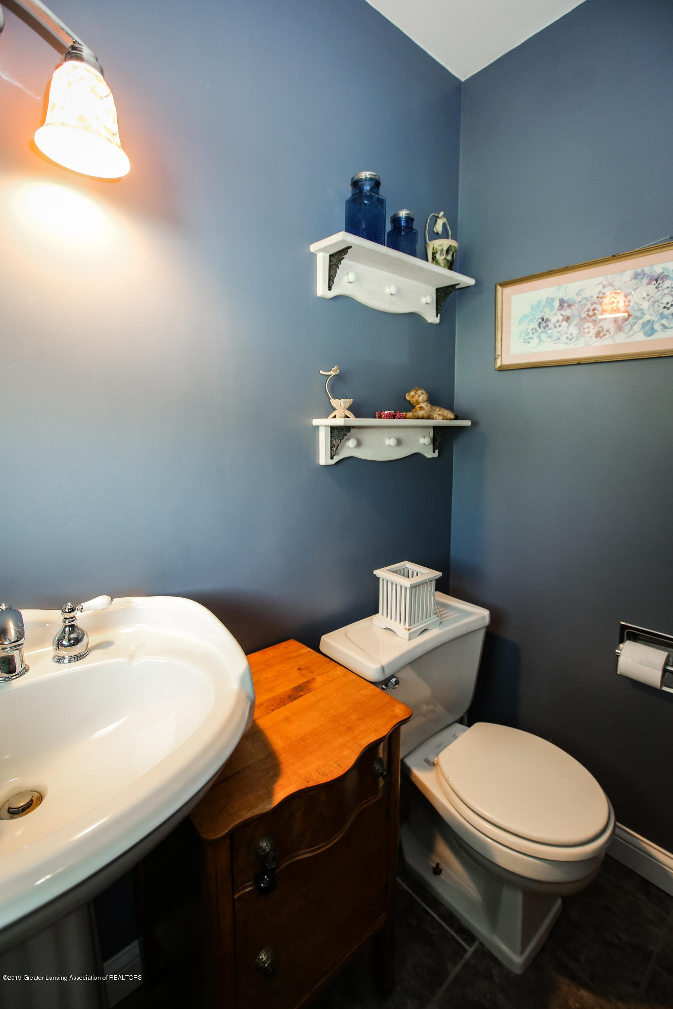 5953 W Cutler Rd - Half Bathroom - 25