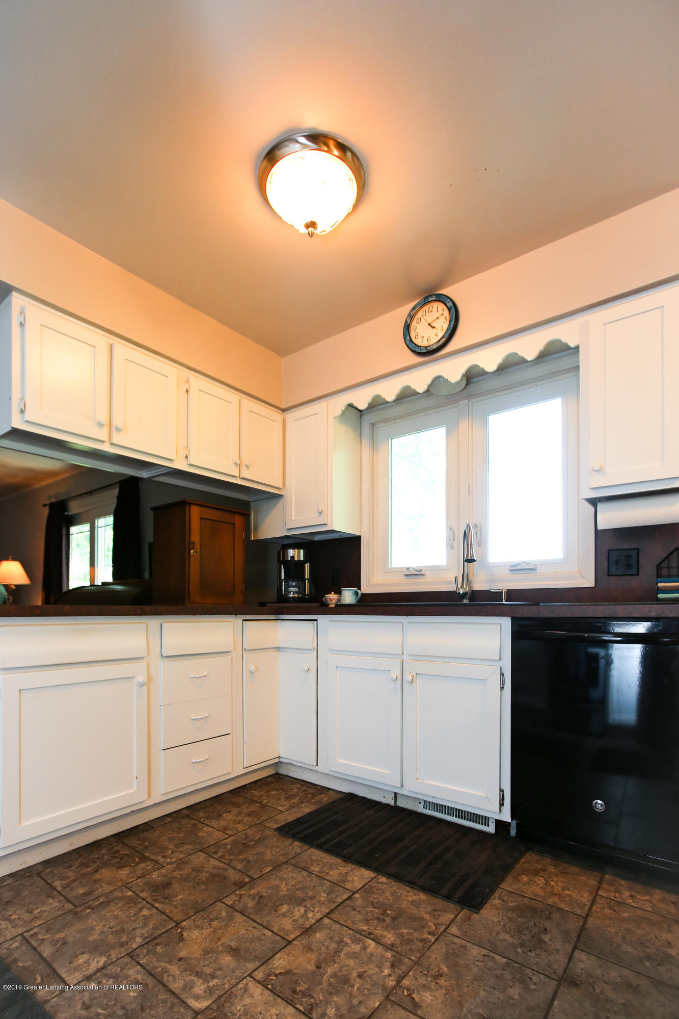 5953 W Cutler Rd - Kitchen - 19