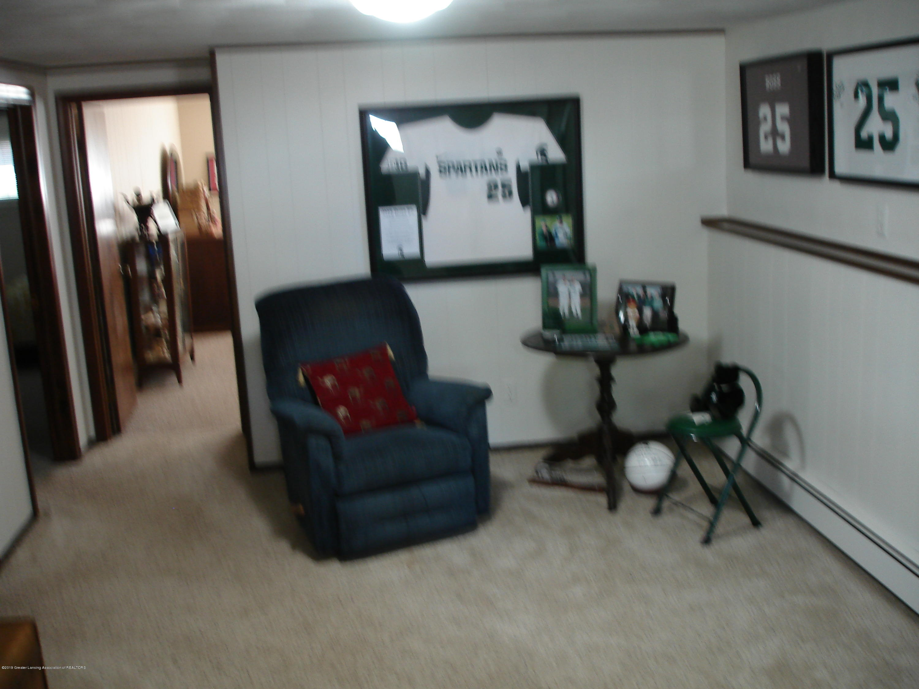 4841 Sutherland Dr - family room - 12