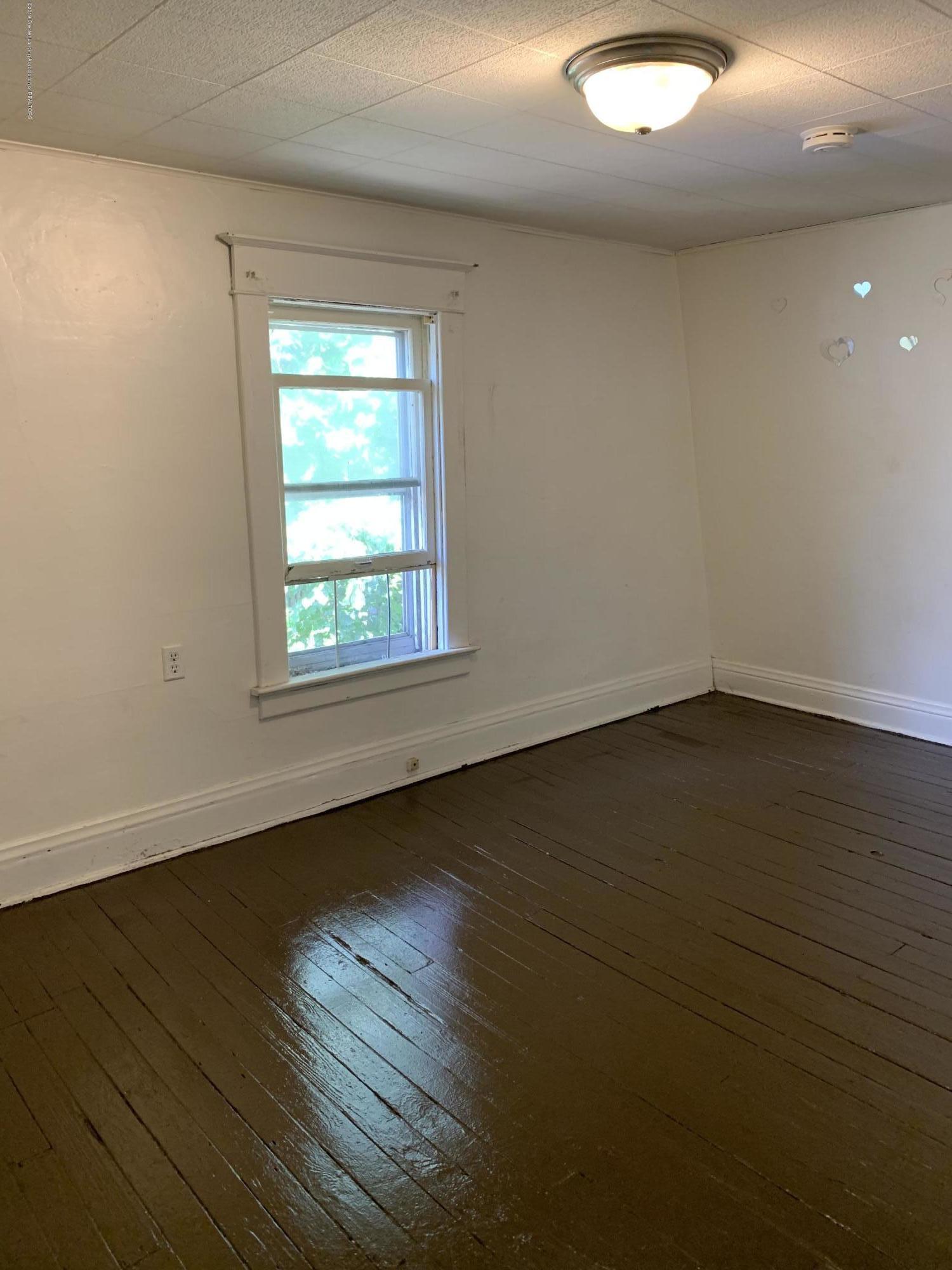 222 Lathrop St - Bedroom - 8
