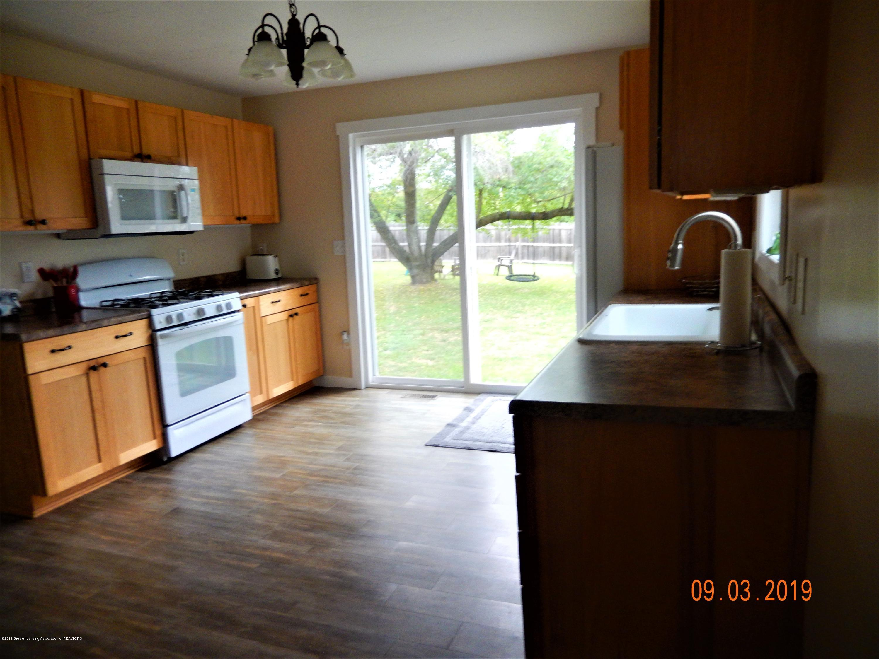 415 Brook St - kitchen2 - 30