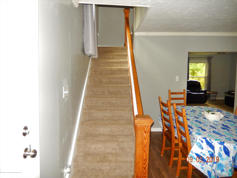 415 Brook St - stairsup - 48