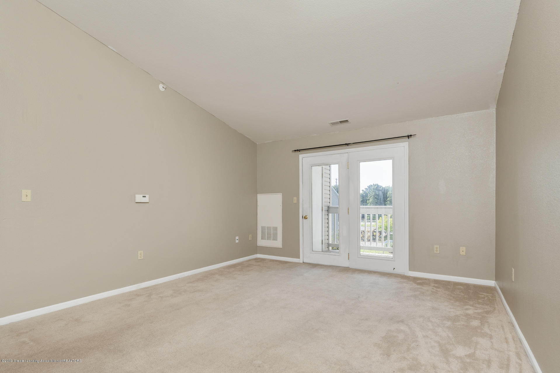 338 W Saginaw St UNIT 44 - 004-photo-living-room-7483691 - 5