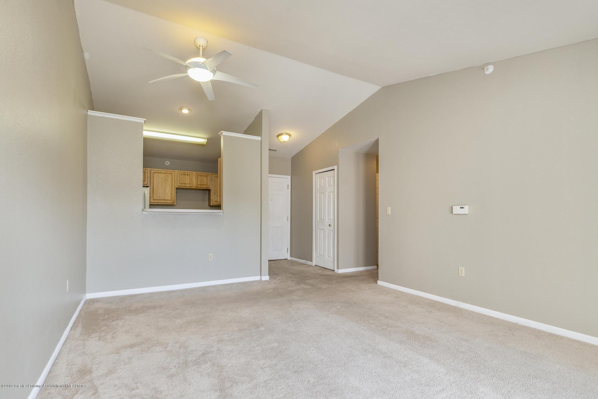 338 W Saginaw St UNIT 44 - 005-photo-living-room-7483692 - 6
