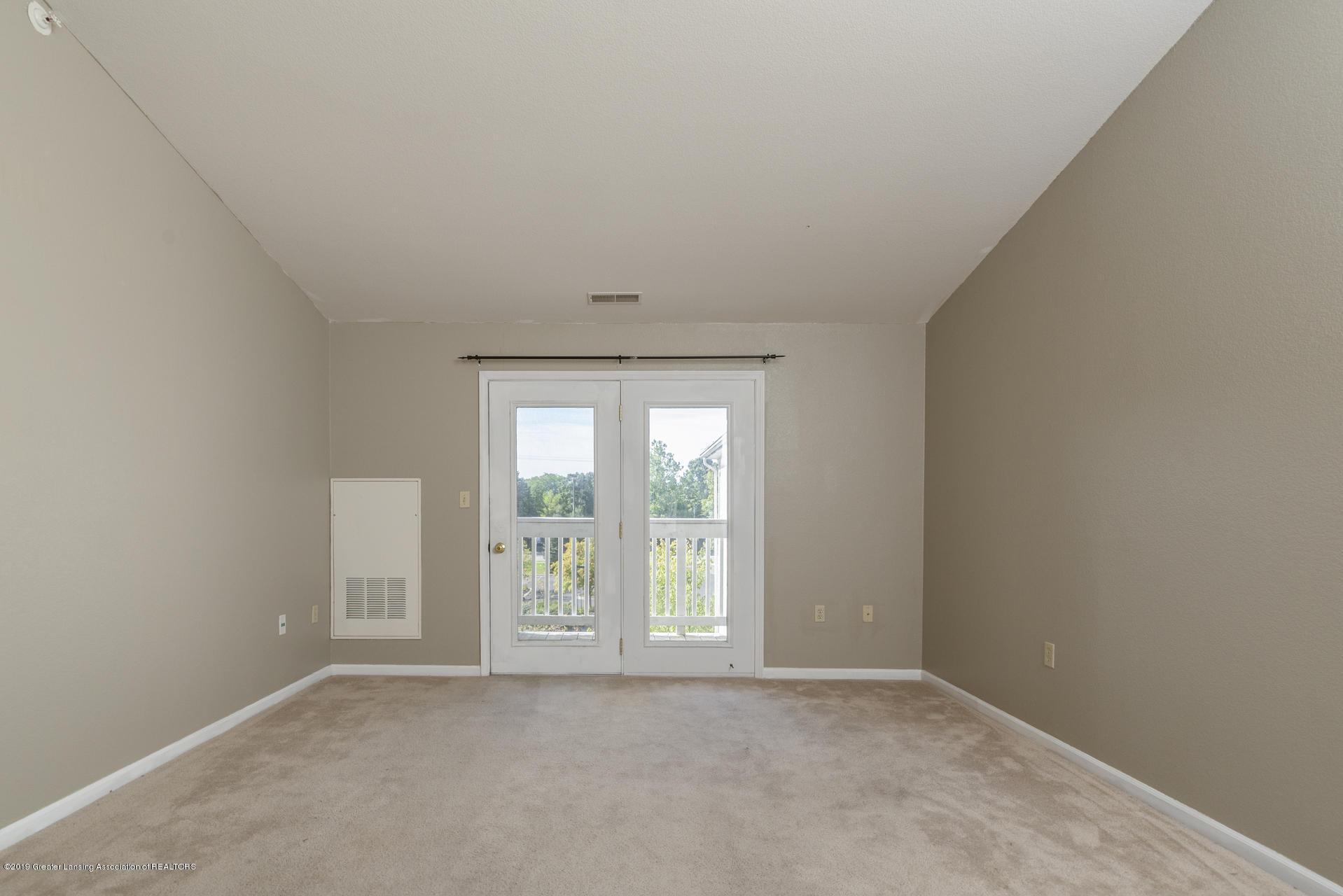 338 W Saginaw St UNIT 44 - 006-photo-living-room-7483704 - 7