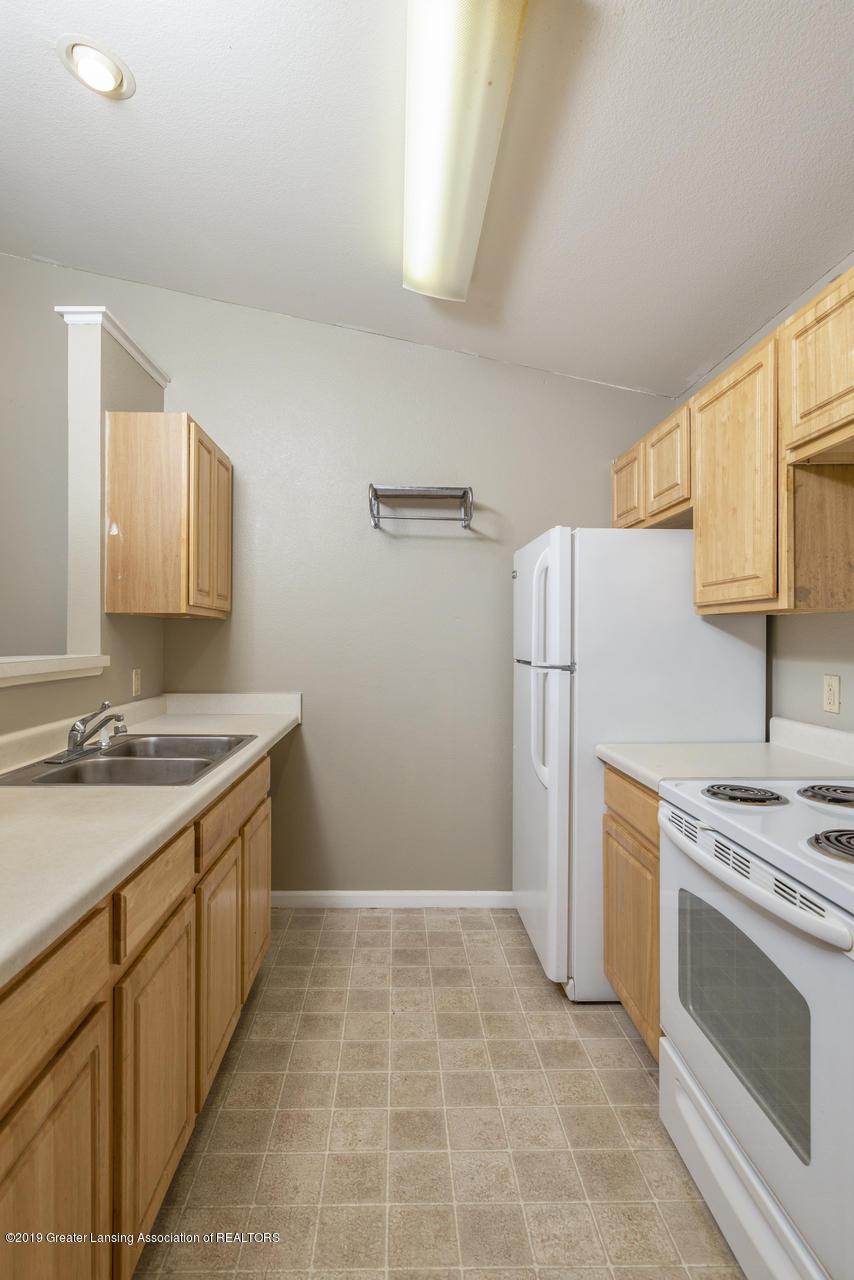 338 W Saginaw St UNIT 44 - 008-photo-kitchen-7483699 - 9
