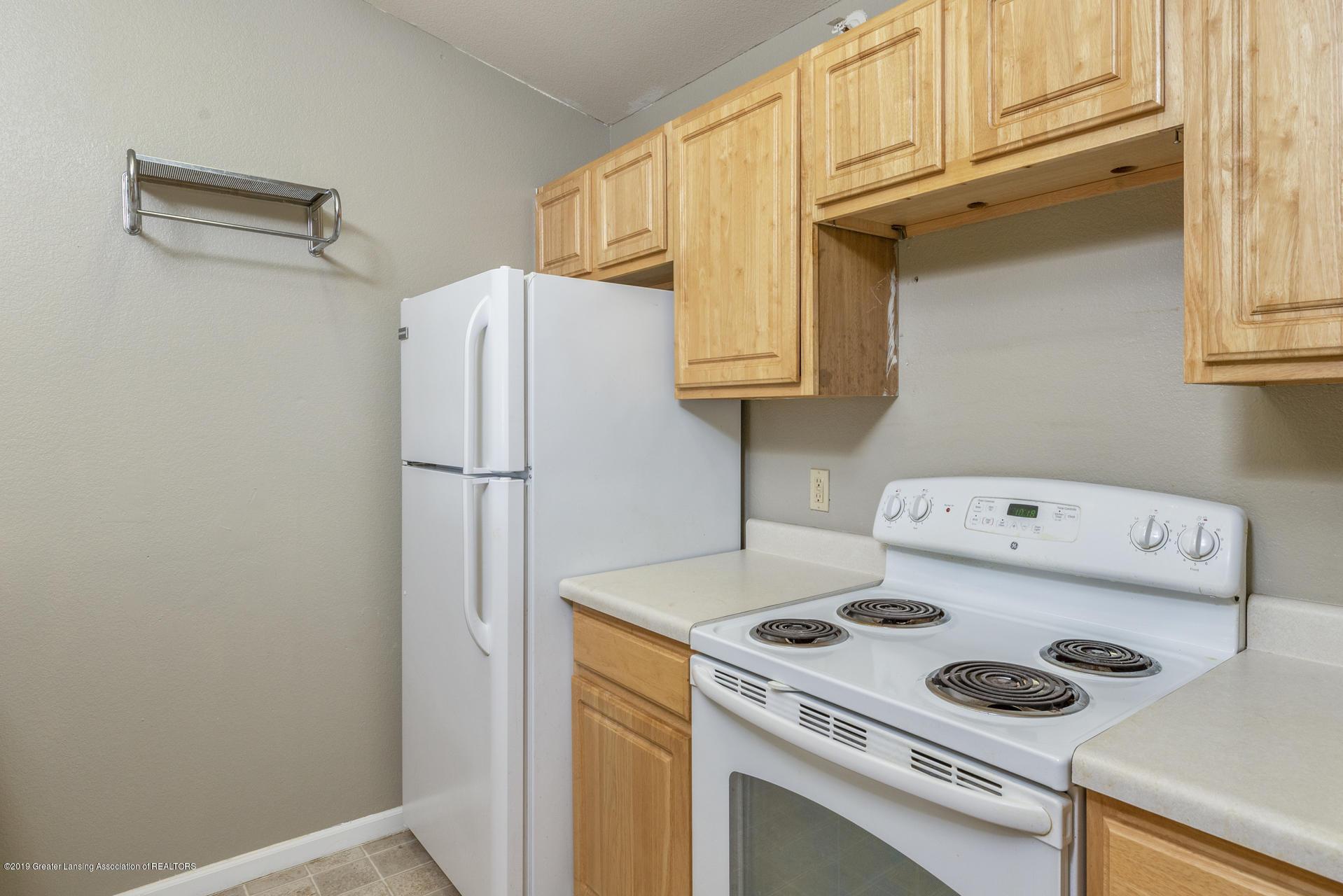 338 W Saginaw St UNIT 44 - 009-photo-kitchen-7483700 - 10