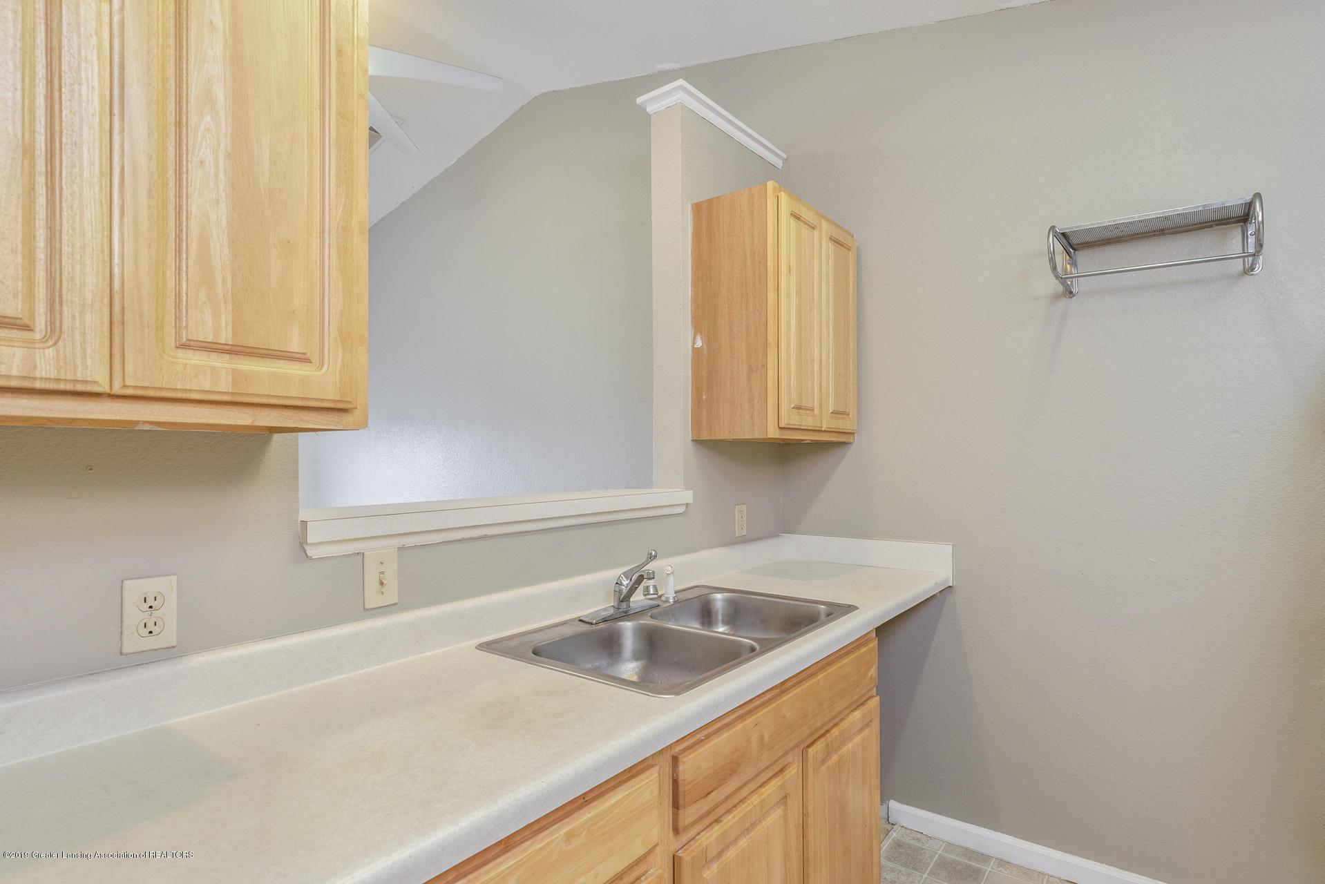 338 W Saginaw St UNIT 44 - 010-photo-kitchen-7483701 - 11