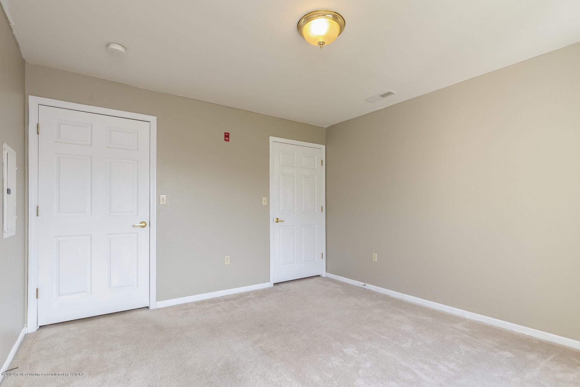 338 W Saginaw St UNIT 44 - 013-photo-bedroom-7483693 - 14