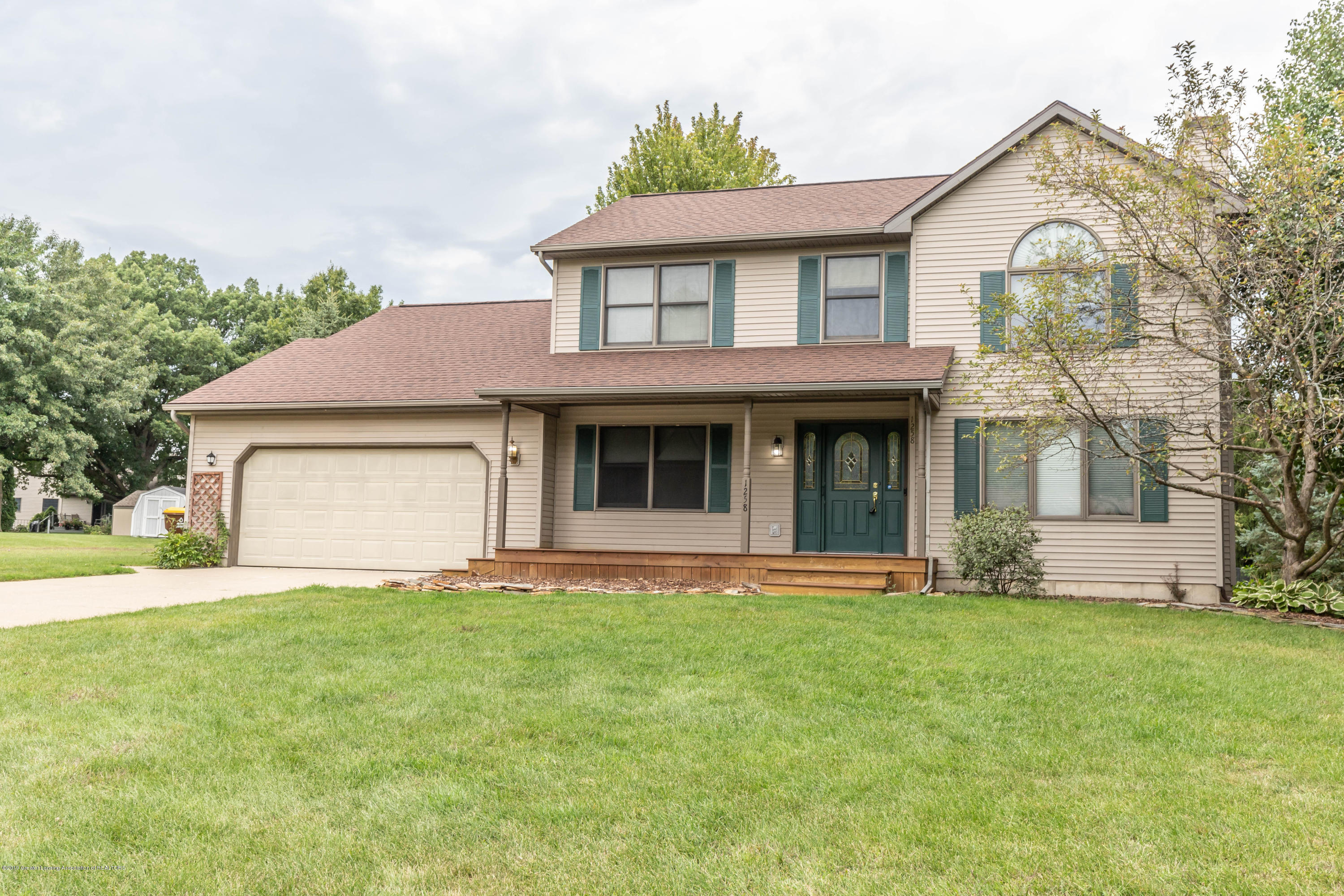 1258 Castlewood Cir - candlewoodfront2 (1 of 1) - 1