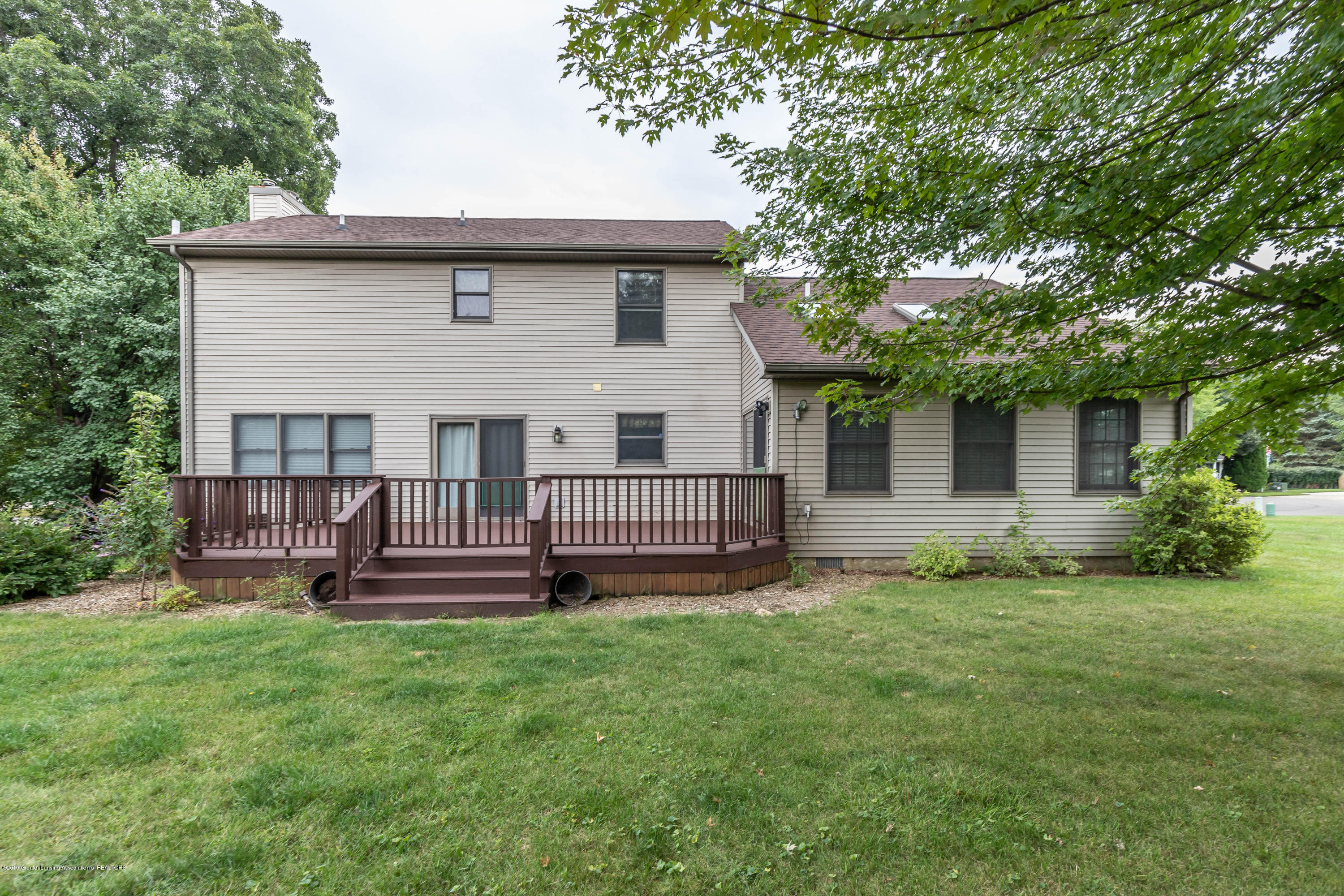 1258 Castlewood Cir - candlewoodback (1 of 1) - 23