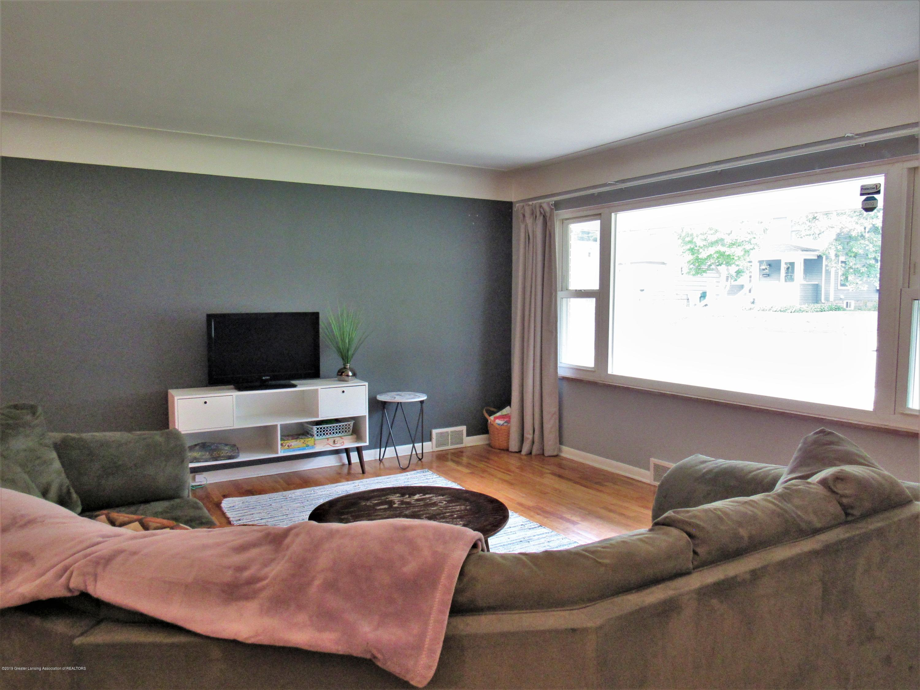 425 S Holmes St - Living Room - 3