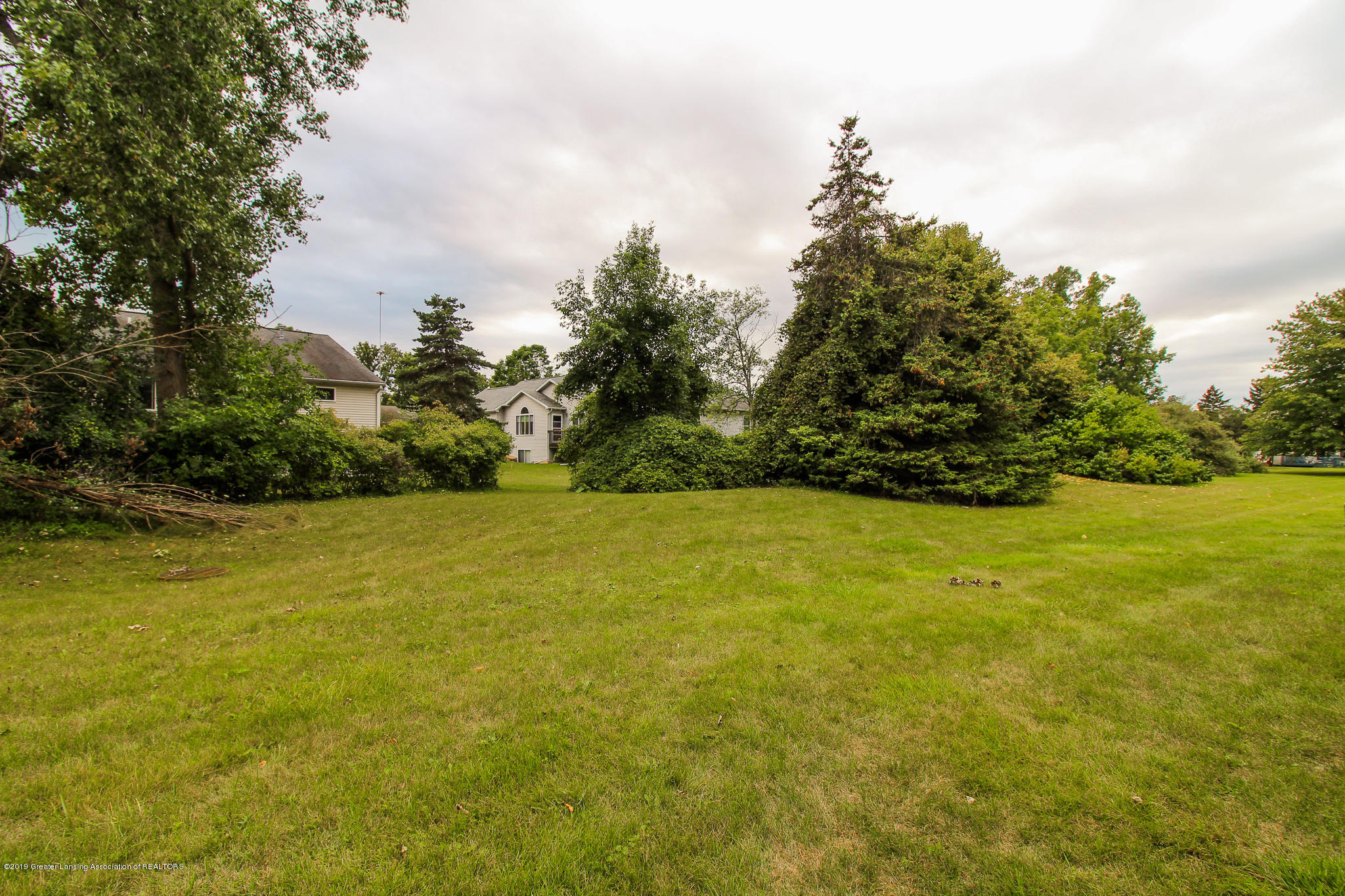 7235 Creekside Dr - Backyard - 6