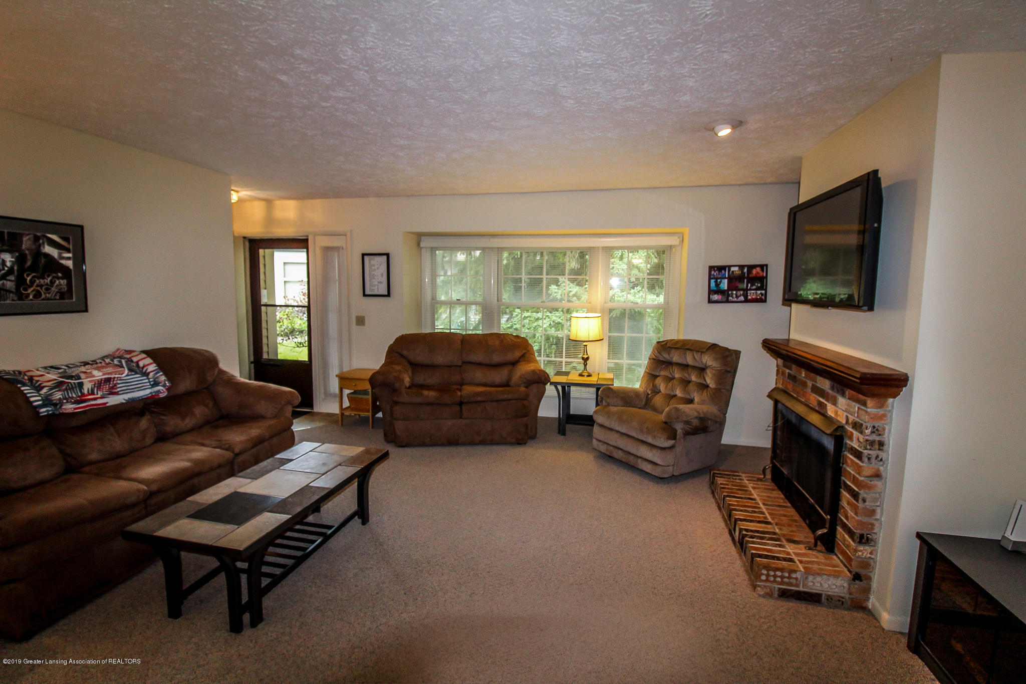 7235 Creekside Dr - Living Room - 11