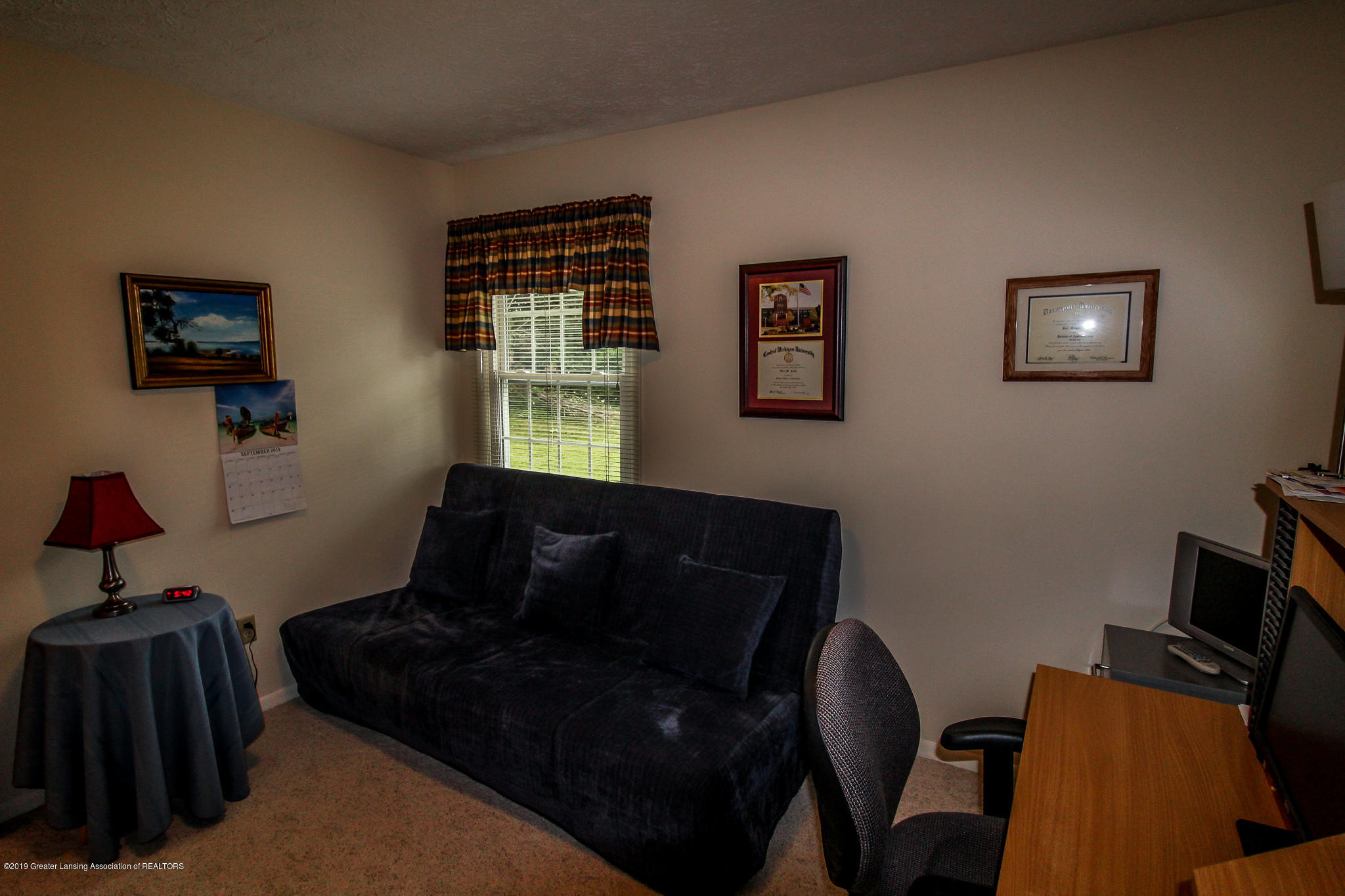 7235 Creekside Dr - Bedroom - 26
