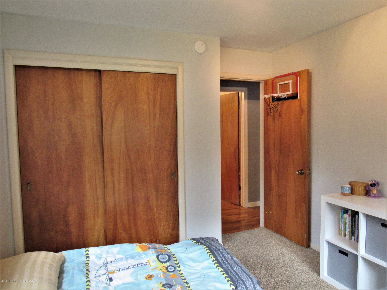 425 S Holmes St - Front Corner Bedroom - 21