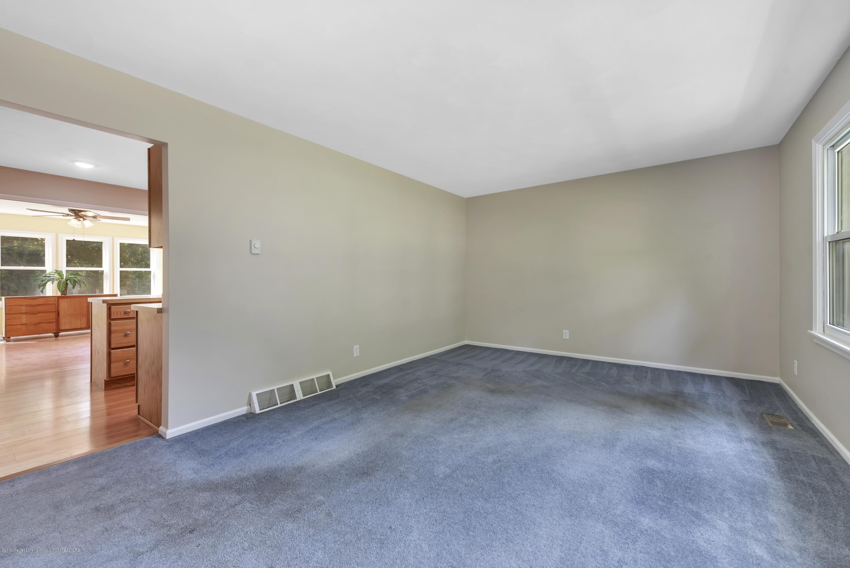 1065 W Main St - 1065-main-st-grand-ledge-mi-windowstill- - 7