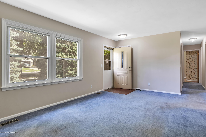1065 W Main St - 1065-main-st-grand-ledge-mi-windowstill- - 9