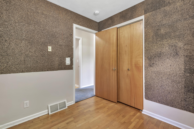 1065 W Main St - 1065-main-st-grand-ledge-mi-windowstill- - 18