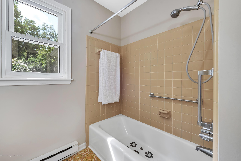 1065 W Main St - 1065-main-st-grand-ledge-mi-windowstill- - 20